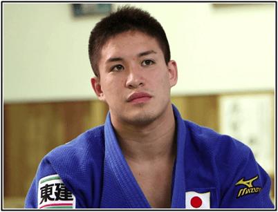 柔道 ベイカー茉秋は筋肉も強い!姉や父親も応援で金メダル!画像